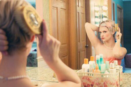 Ajoutez un miroir déco pour embellir votre intérieur